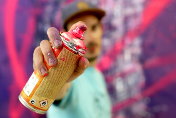 peinture street art graffmatt pour offside gallery au stade de Lyon